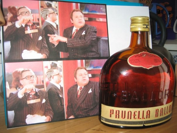 Vecchi liquori: il kitsch è la negazione della merda.